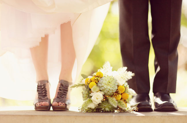 purple wedding shoes and bouquet