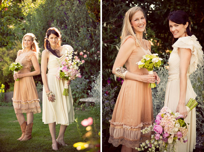 bridesmaids vintage dresses bouquets