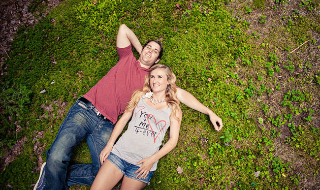 engagement photos in the grass
