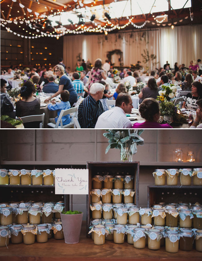 wedding favors jars of jam