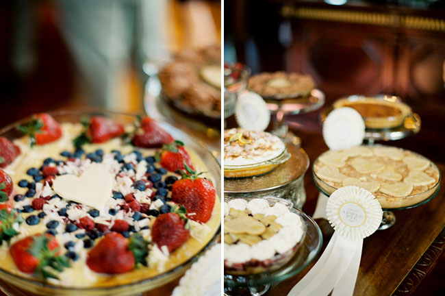 pies for your wedding with ribbons