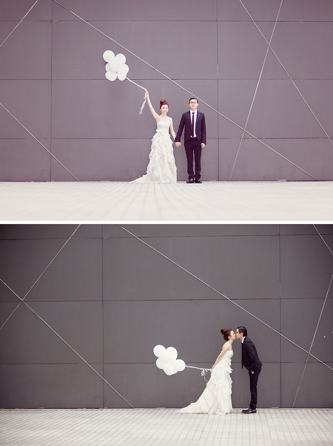 wedding photos with white balloons