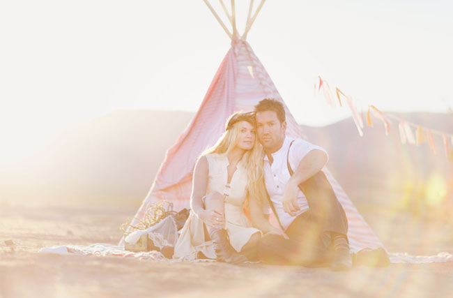 couple with pink teepee