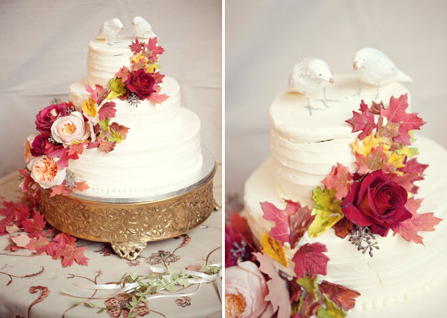 fall wedding cake with leaves