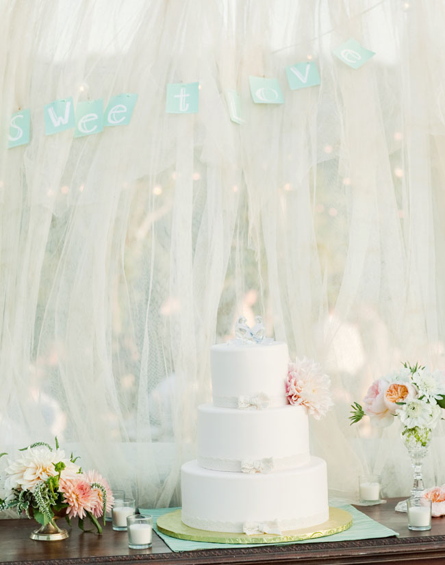 cake table with tulle