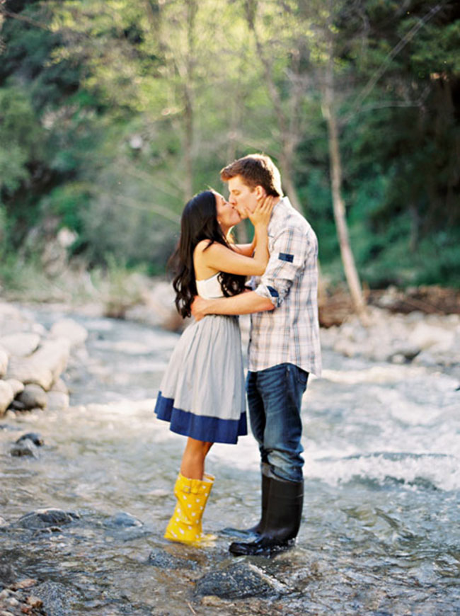engagement photos by a river