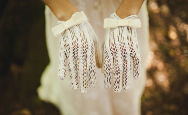 lace gloves for your wedding
