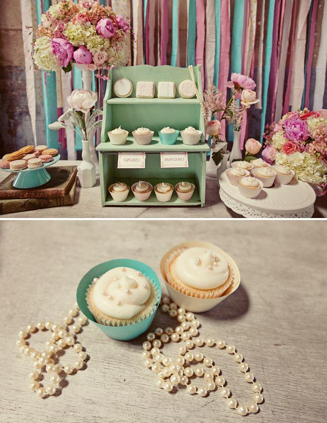 cupcakes dessert table