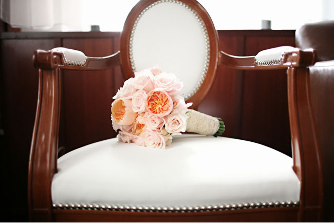 peach pink wedding bouquet