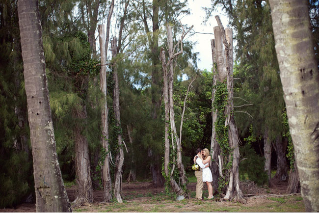 hawaii wedding in the trees