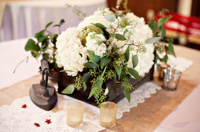 white wedding centerpiece flowers