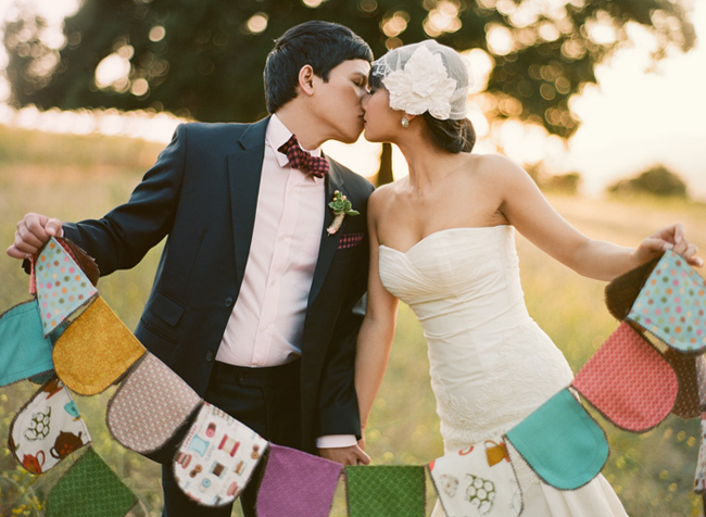 wedding couple with pretty bunting