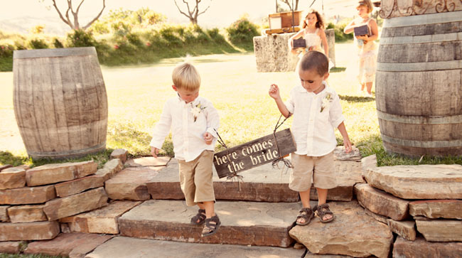ring bearers and sign