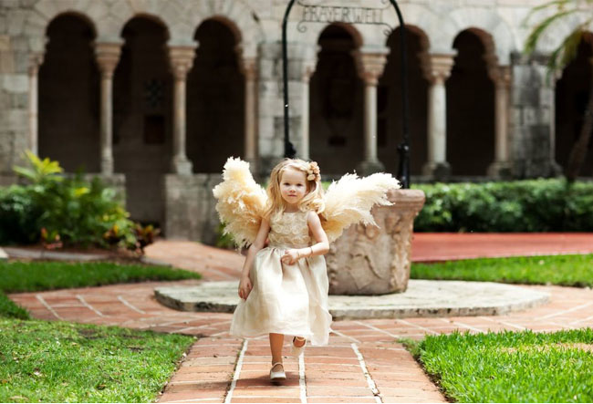 flower girl with wings