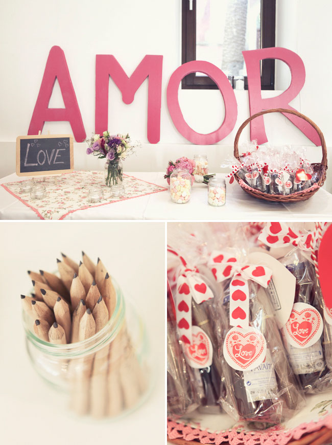amor wedding sign