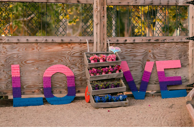 ombre love sign
