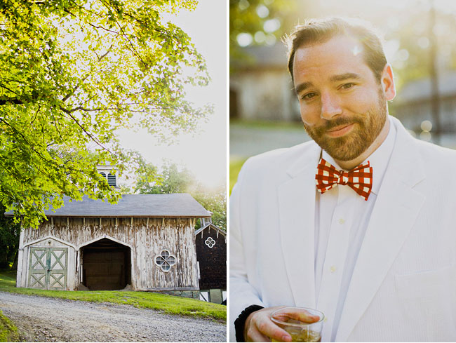 groom in white tux and red bowtie