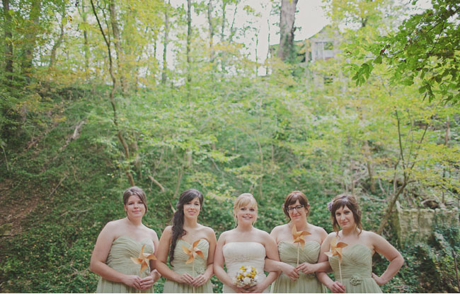 bridesmaids with pinwheels