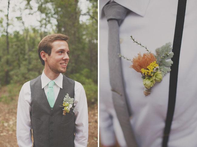 groomsment in mint tie