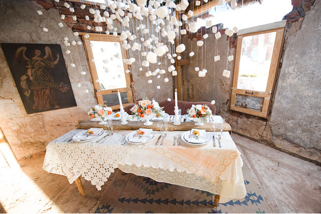winter wedding tablescape, marshmallow installation