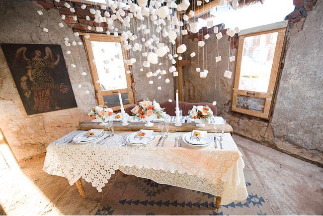 winter wedding tablescape, marshmallow installation