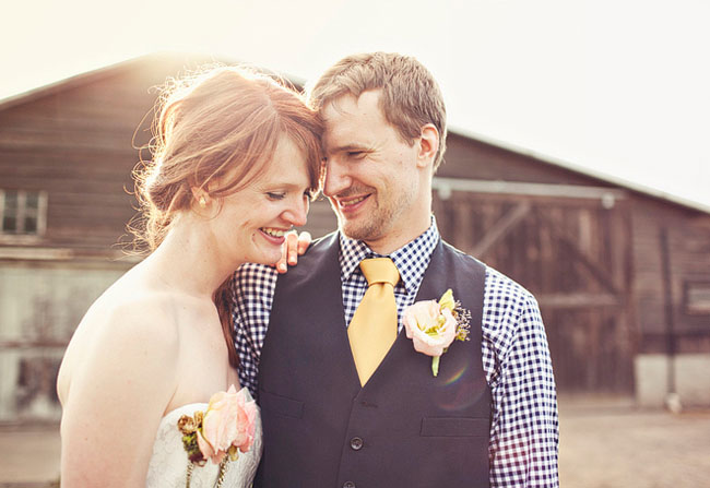 groom in yellow tie