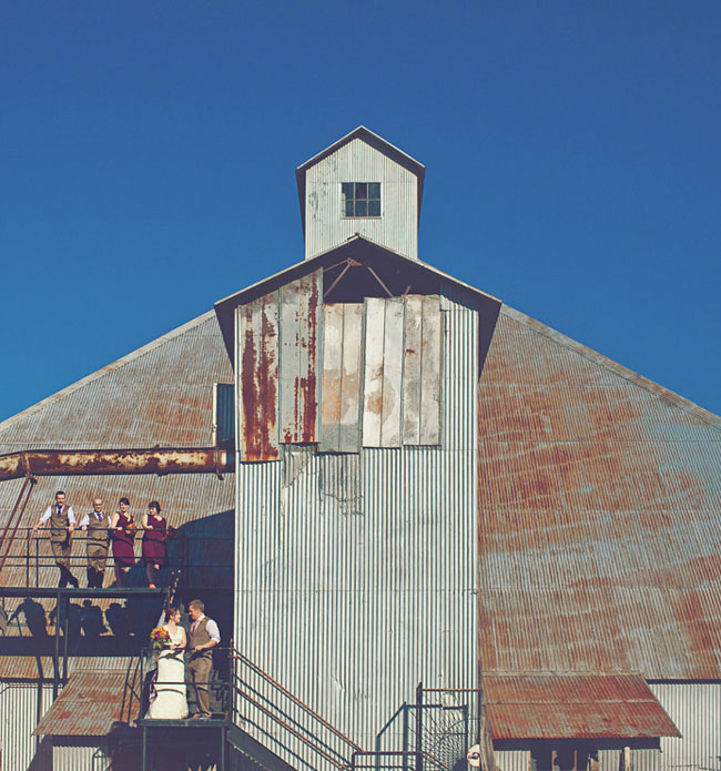 bridal aprty, farmhouse