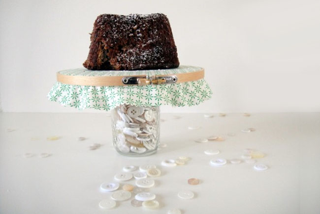 embroidery hoop cake table