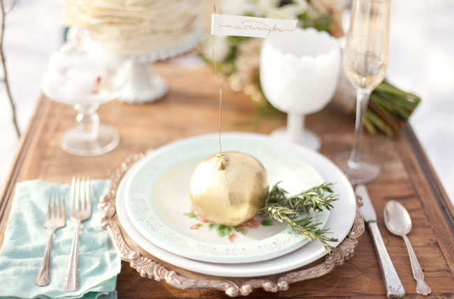 gold pomegranite table setting