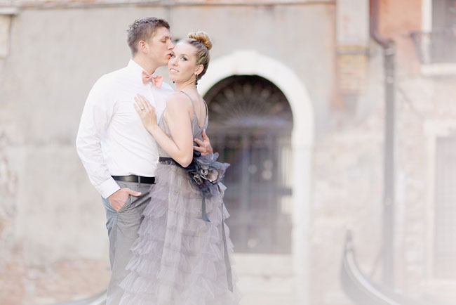 bride and groom in venice