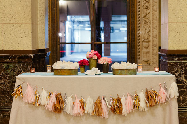 tissue garland table
