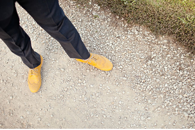 groom yellow shoes