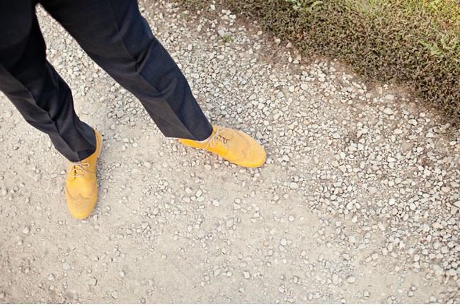 groom yellow shoes