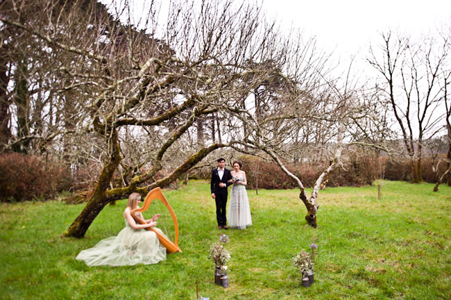 A Mythical Tune: Irish Wedding Traditions - Green Wedding Shoes
