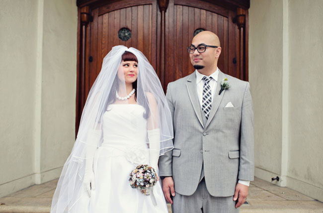 vintage styled veil on bride