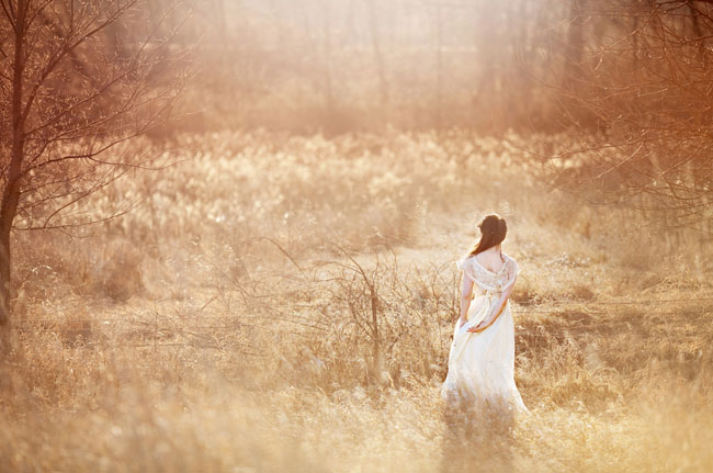 bridal session in a field