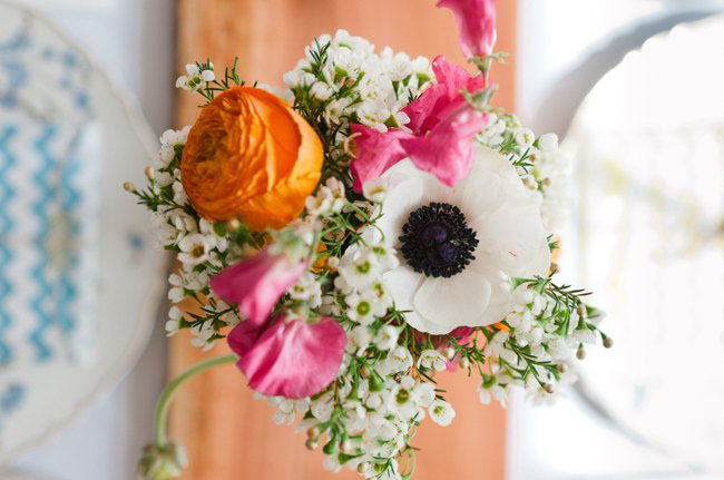 pink and orange centerpieces