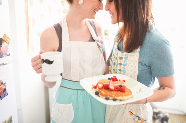 breakfast-engagement photos