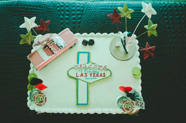vegas wedding cake