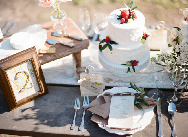 rustic white wedding cake