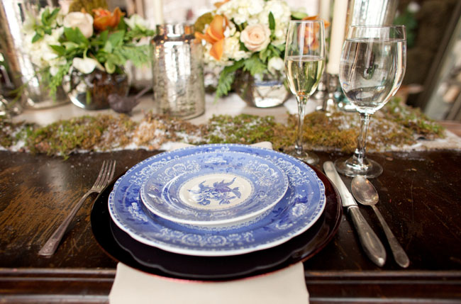 blue china tablescape
