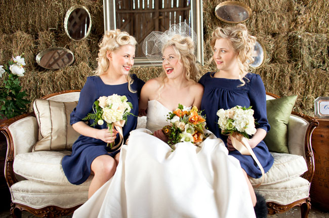 bridemaids in blue dresses