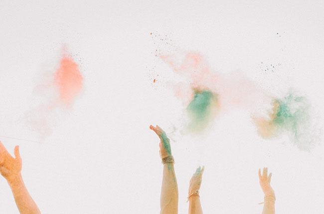 holi dust engagement