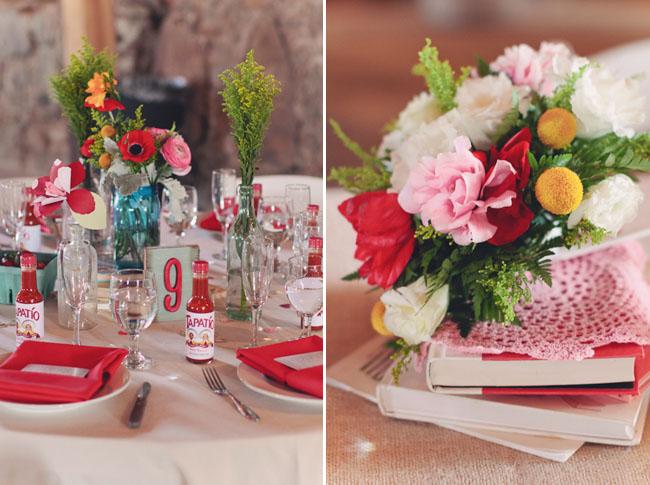 barn wedding red napkins