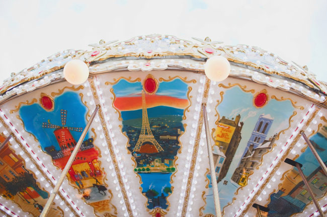 paris elopement carousel
