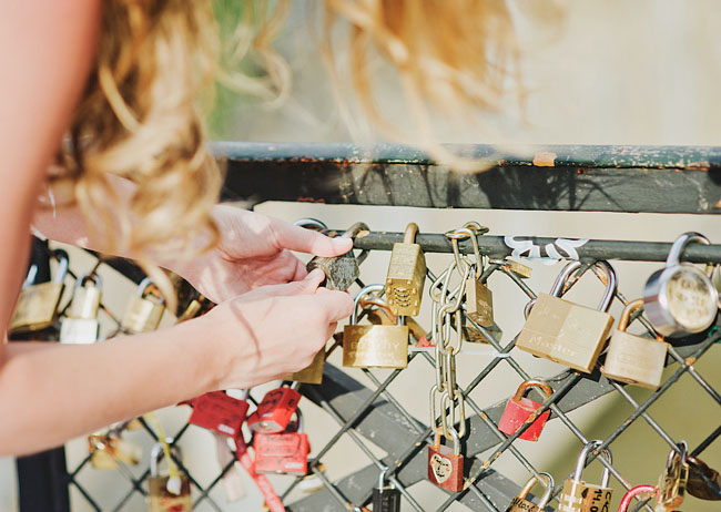 paris elopement lock bridge