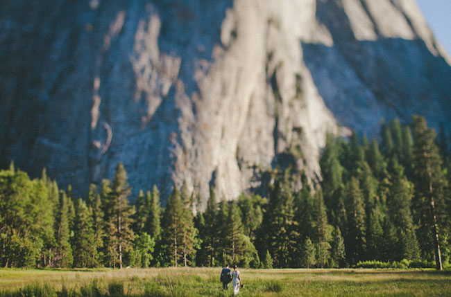 bride and groom yosemite