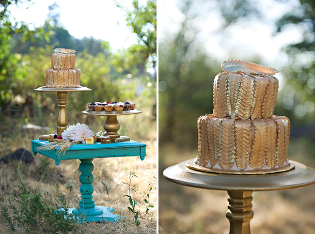gold feather wedding cake