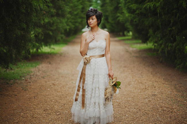 bride in lace ruffle dress