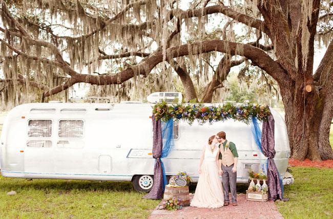 traveling musician wedding inspiration